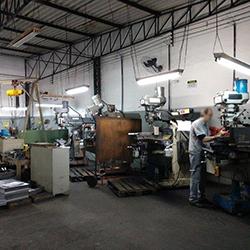 Empresa Usinagem e Ferramentaria
